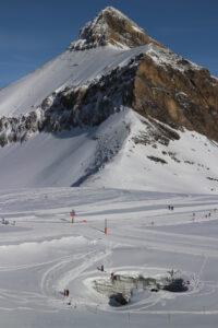 Gletscherloch mit Oldenhorn im Hintergrund